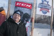 Étonnamment, Bill Côté n'a jamais joué au hockey.... (Photo Le Progrès-Dimanche, Michel Tremblay) - image 3.0