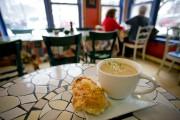 Le Café Tintoretto vaut le déplacement avec ses... (PHOTO DAVID BOILY, LA PRESSE) - image 2.0