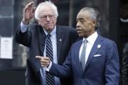 Bernie Sanders en compagnie dupasteur Al Sharpton,l'une des... (AP, RichardDrew) - image 3.0