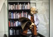 Albert Einstein, format réduit, a énoncé sa théorie... (Agence France-Presse, Thomas Coex) - image 2.0