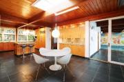 Rénovée par les propriétaires précédents, la cuisine aux... (PHOTO FOURNIE PAR LA COURTIÈRE) - image 3.0