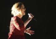 La voix d'Adele a subi les affronts de... (AP, Matt Sayles) - image 6.0