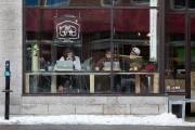 Le café GAB, boulevard Saint-Laurent, a été imaginé... (PHOTO ROBERT SKINNER, LA PRESSE) - image 4.0