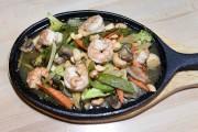 Poulet, porc, boeuf, crevettes, assortiment de fruits de... (Le Soleil, Jean-Marie Villeneuve) - image 2.0