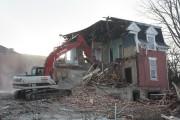 Comme promis, la démolition de la maison patrimoniale... (La Tribune, Jean-François Gagnon) - image 1.0