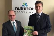 Le président de Nutrinor, Jean Lavoie et le... (Photo courtoisie) - image 1.0