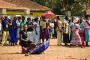 Des électeurs qui ont été incapables de voter... (PHOTO CARL DE SOUZA, AFP) - image 4.0