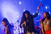 Le chanteurPaul Beaubrun était accompagné d'une troupe de... (PHOTO EDOUARD PLANTE-FRECHETTE - LA PRESSE) - image 1.1