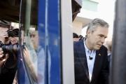 Jeb Bush monte dans son bus de campagne,... (Photothèque La Presse) - image 2.0