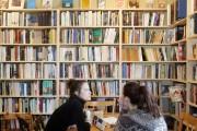 À l'instar de sa librairie ambulante, Le Salon... (PHOTO TIRÉE D'UNE VIDÉO, LA PRESSE) - image 2.0