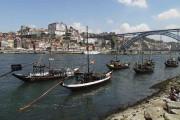 Quelques barcos rabelos, sur les rives du Douro,... (Le Soleil, Normand Provencher) - image 3.0