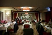 Le restaurant Le Refuge sert des spécialités savoyardes... (PHOTO MARCO CAMPANOZZI, LA PRESSE) - image 3.0