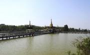 Mwe Paya est située au milieu d'un lac... (La Tribune, Jonathan Custeau) - image 2.0