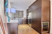 Toute nouvelle, la cuisine offre beaucoup de rangement.... (PHOTO FOURNIE PAR LES IMMEUBLES MW) - image 4.0