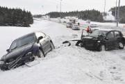 Sur l'autoroute 70, deux véhicules se sont tamponnés... ((Photo Le Quotidien-Rocket Lavoie)) - image 1.0