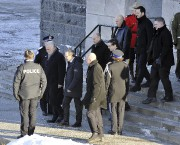 Le premier ministre Philippe Couillard et le ministre... (Photo Le Quotidien, Rocket Lavoie) - image 2.0