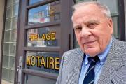 Cyrille Delâge en 2014 devant son bureau de... (Photothèque Le Soleil, Jean-Marie Villeneuve) - image 1.0