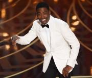 Chris Rock a été l'animateur du dernier gala... (AFP, MARK RALSTON) - image 2.0