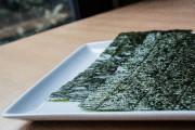 Les feuilles d'algue nori sont traditionnellement utilisées pour... (PHOTO EDOUARD PLANTE-FRÉCHETTE, LA PRESSE) - image 6.0