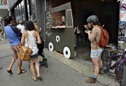 Le faux camion de cuisine de rue du... (Photothèque Le Soleil, Patrice Laroche) - image 5.0