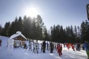 Des skieurs profitant d'une belle journée à Mont... (Julie Catudal, Archives La Voix de l'Est) - image 2.0