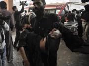Les victimes ont été transportées d'urgence à l'hôpital... (AFP, Hasham Ahmed) - image 3.0