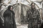Kit Harington (Jon Snow) et Ciaran Hinds (Mance... (Fournie par HBO) - image 1.0
