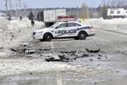De nombreux débris jonchaient la chaussée.... (Photo Le Quotidien, Rocket Lavoie) - image 1.1
