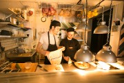 On y mange simplement de petits plats jamais... (PHOTO FRANÇOIS ROY, LA PRESSE) - image 1.0