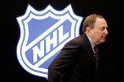 Gary Bettman compte sur l'attrait de vedettes canadiennes... (Photo Mark Humphrey, Associated Press) - image 2.0