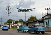 L'avion du président américain survolant La Havane dimanche.... (PHOTO REUTERS) - image 4.0