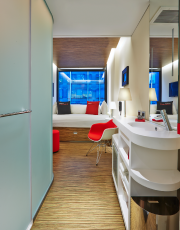 L'hôtel citizenM offre des chambres minuscules, mais très... (PHOTO FOURNIE PAR CITIZENM) - image 2.0