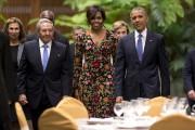 Le président cubain, Raul Castro,Michelle et Barack Obama,... (AP, Rebecca Blackwell) - image 5.0