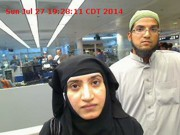 Tashfeen Malik etSyed Farook à l'aéroport de Chicago... (PHOTO AP) - image 2.0