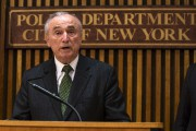 Bill Bratton... (PHOTO REUTERS) - image 2.0