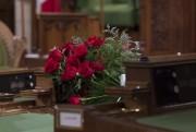 Un bouquet de roses a été déposé sur... (Adrian Wyld, PC) - image 1.1