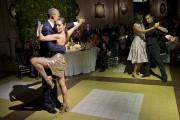 Pendant que le président dansait avecMora Godoy, la... (PHOTO Pablo Martinez Monsivais, AP) - image 1.0