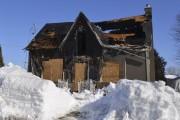 Un incendie a ravagé une maison centenaire de... (Photo Le Quotidien, Louis Potvin) - image 4.0