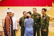 La nouvelle ministre des Affaires étrangères Aung San... (PHOTO YE AUNG THU, AFP) - image 5.0