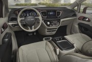 Chrysler Pacifica 2016. Photo: FCA... - image 5.0