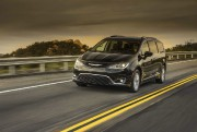 Chrysler Pacifica 2016. Photo: FCA... - image 6.0