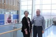 Maureen Berniqué en compagnie de son conjoint Charles.... (PHOTO FOURNIE PAR L'INSTITUT DE RECHERCHE DE L'HÔPITAL D'OTTAWA) - image 1.0