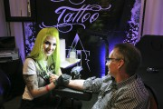 Gabrielle Munger propose un bar à «tattoos» dans... (Photo Le Progrès-dimanche, Rocket Lavoie) - image 5.0