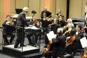 Le maestro Jacques Clément a dirigé l'Orchestre symphonique... (Photo Le Quotidien, Mariane L. St-Gelais) - image 1.0