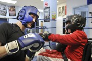 Entraîneur au Club de boxe de Chicoutimi, Jonathan... (Photo Le Progrès-Dimanche, Rocket Lavoie) - image 2.0
