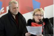La candidate libérale Francyne T. Gobeil était accompagnée... (Photo Le Progrès-Dimanche, Jeannot Lévesque) - image 3.0