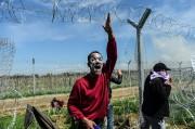 Certains manifestants se sont couvert le visage de... (PHOTO AFP) - image 2.0