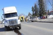 Un véhicule est entré en collision deux fois,... (Photo Le Quotidien, Gimmy Desbiens) - image 1.0