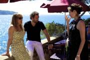 Les comédiens Emmanuelle Bercot et Vincent Cassel discutent... (PHOTO FOURNIE PAR LES FILMS SÉVILLE) - image 2.0