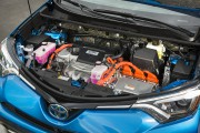 Au courant des années 2000, Toyota a fait de l'hybride l'un des piliers sur... - image 4.0
